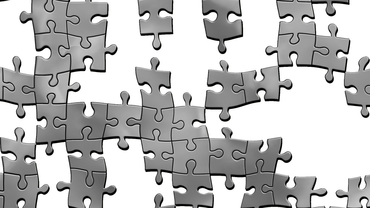 Puzzle - pieces linking together